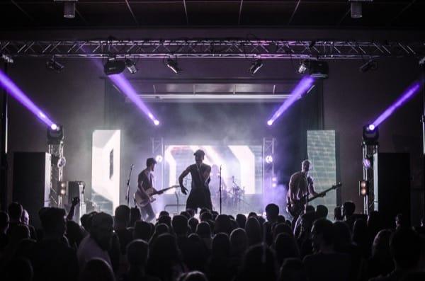 Band Warum Lila auf Bühne von MBLightarts